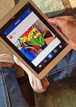 Free stock photo of internet, technology, ipad, instagram