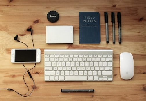 Free stock photo of desk, laptop, pen, internet