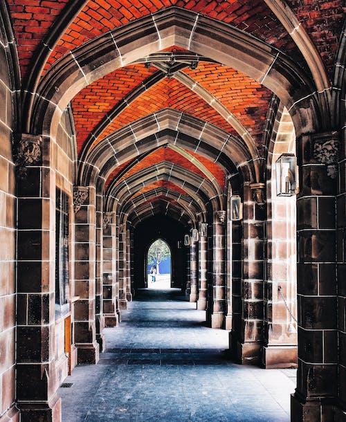 Foto d'estoc gratuïta de antic, arc, arcada, arquitectura