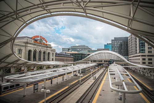 Foto stok gratis Arsitektur, bangunan, jembatan, kereta api