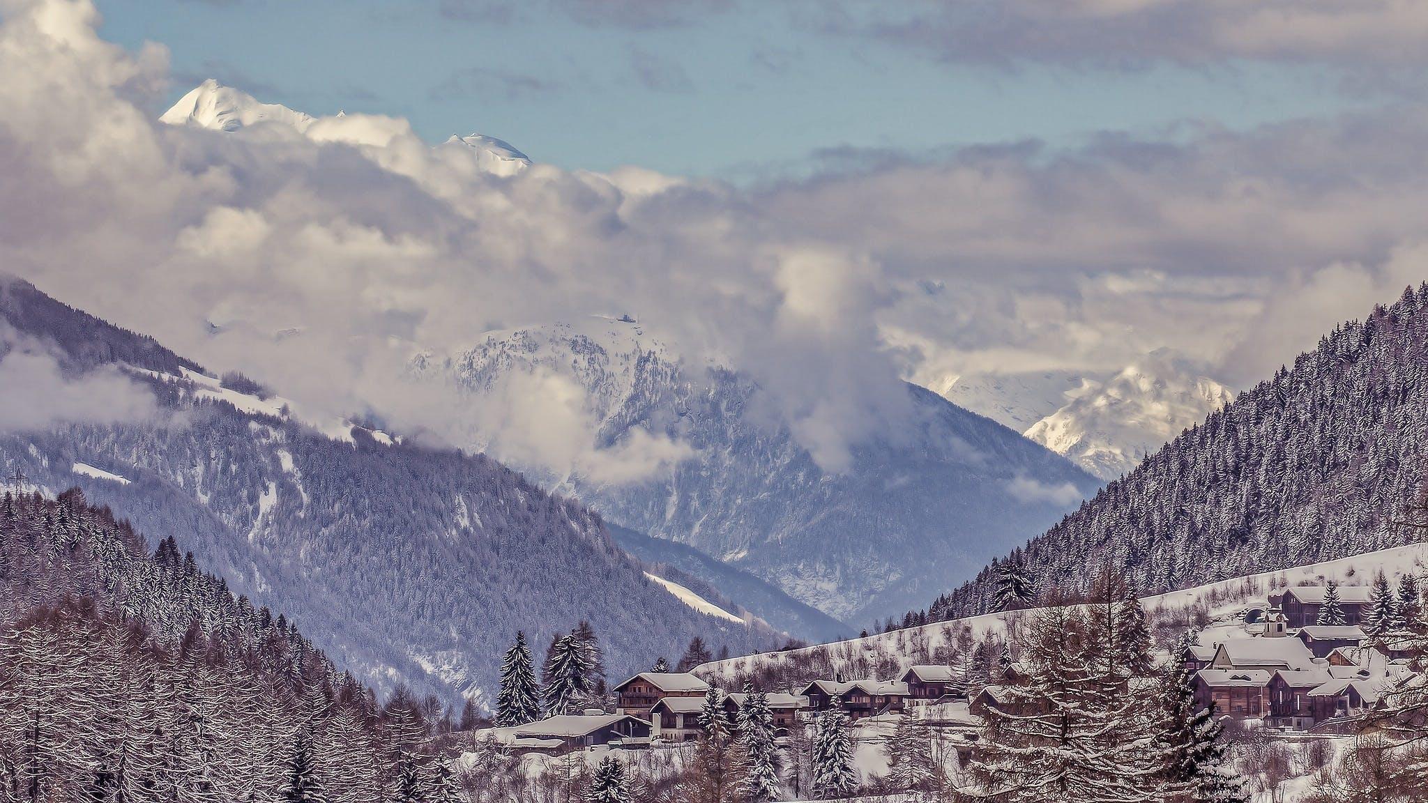 Fotobanka sbezplatnými fotkami na tému Alpy, chladný, domy, fiesch