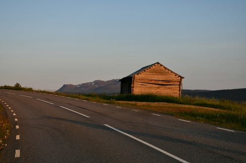 Free stock photo of barn, country life, curvy road, mountain