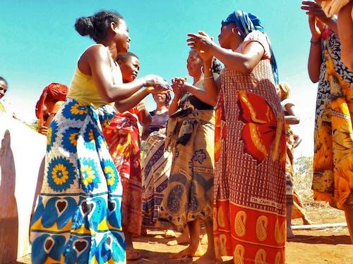 人, 傳統, 舞蹈, 藍天 的 免费素材照片
