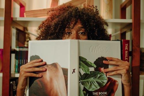 Immagine gratuita di afro, arte, camera, donna