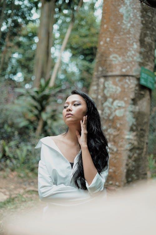 Camisa Blanca Con Cuello Abotonado Para Mujer