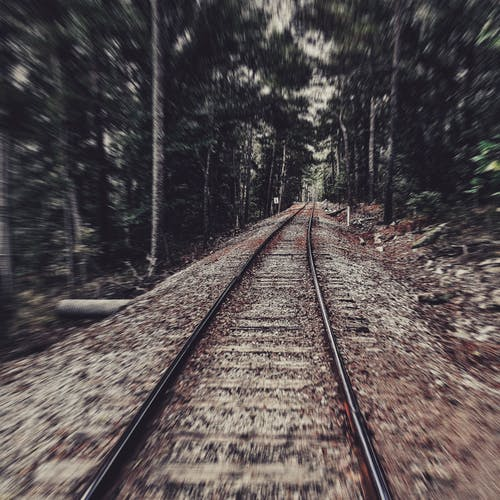 Fotos de stock gratuitas de #mobilechallenge, #nature #natrual, #outdoorchallenge, #train #railroad #sunnyday #daytime # outside #blur # blur-effect
