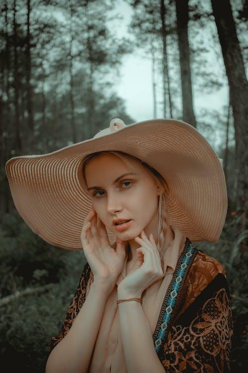 Kostenloses Stock Foto zu frau, hübsch, model, person