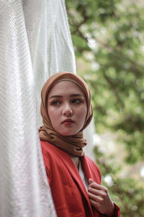 Darmowe zdjęcie z galerii z hidżab, hijabfashion, kobiety, moda