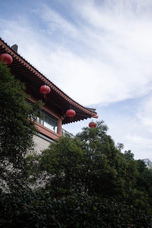 Безкоштовне стокове фото на тему «китайські ліхтарі, стара будівля»