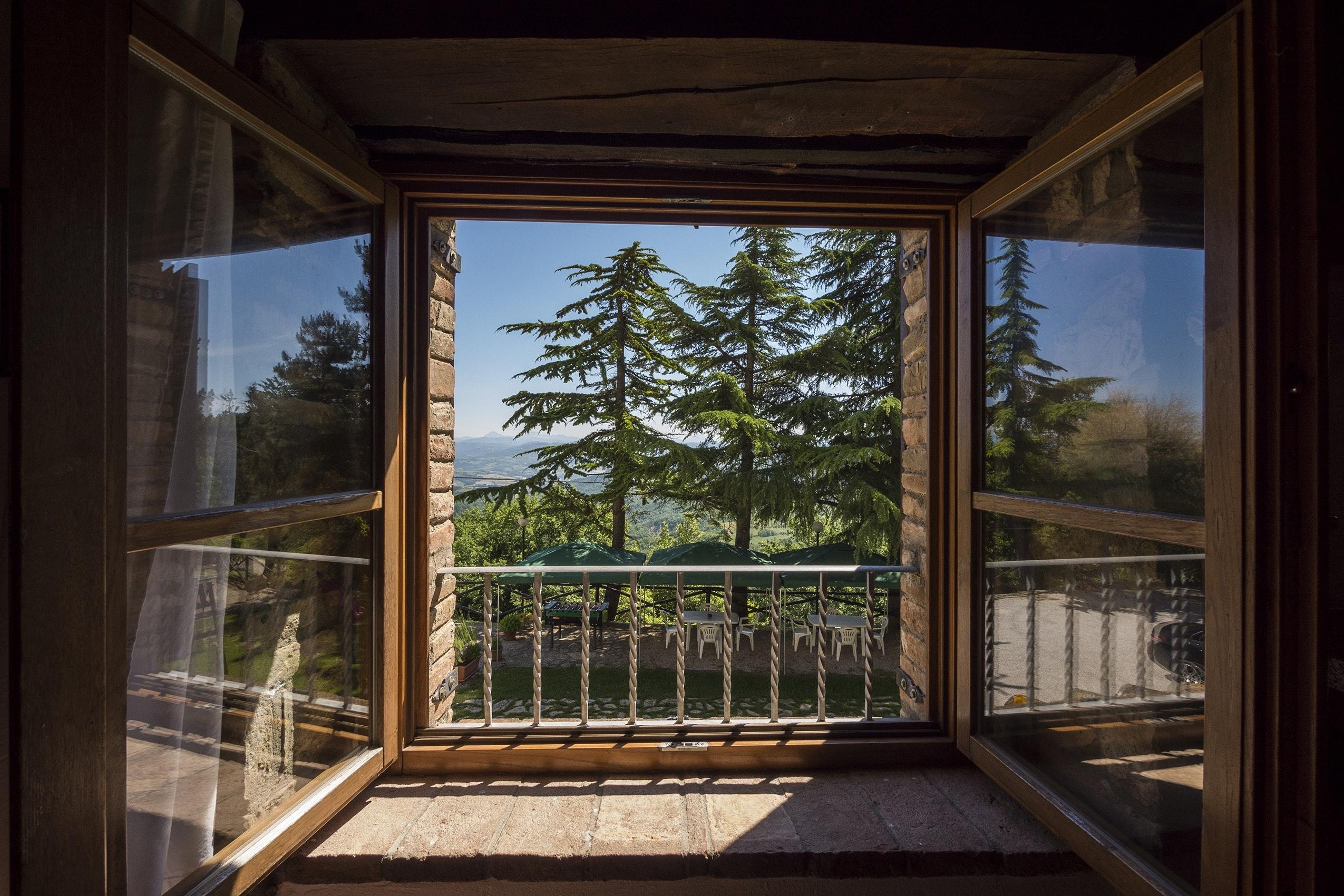312 breezy window images · pexels · free stock photos