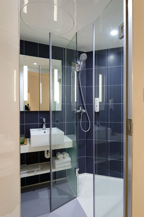 Clear Glass Shower Room