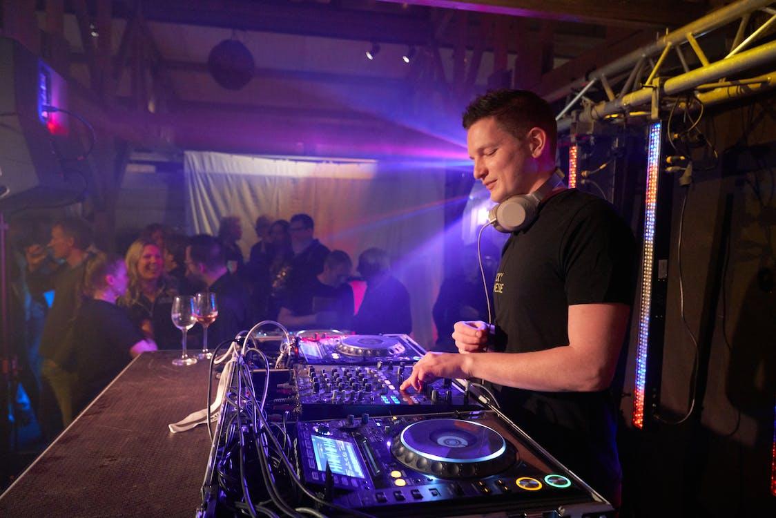 audio, Club nocturno, DJ