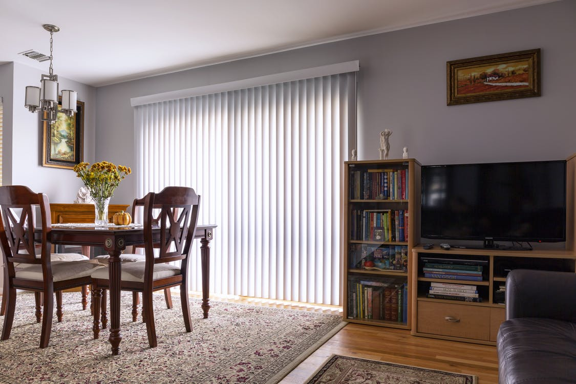 blinds, carpet, classic look