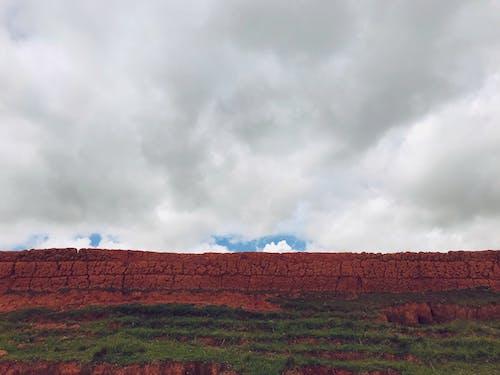 景觀, 灰色的天空, 牆壁, 美丽的风景 的 免费素材照片