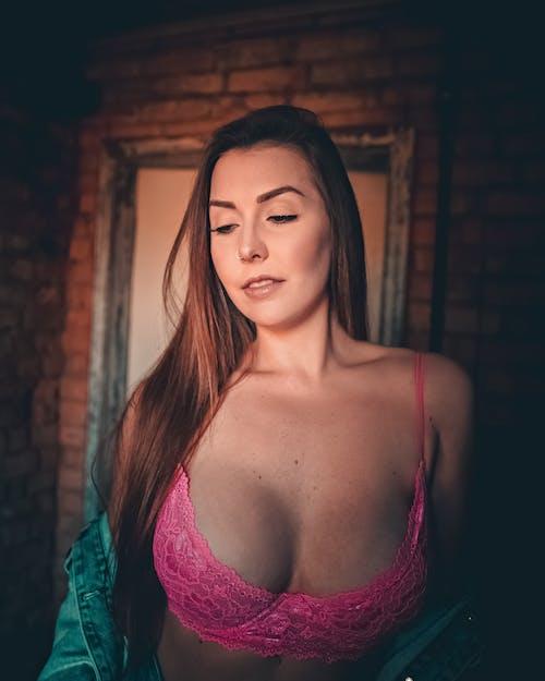 20-25歲的女人, 乳房, 女用貼身內衣褲, 感官 的 免費圖庫相片