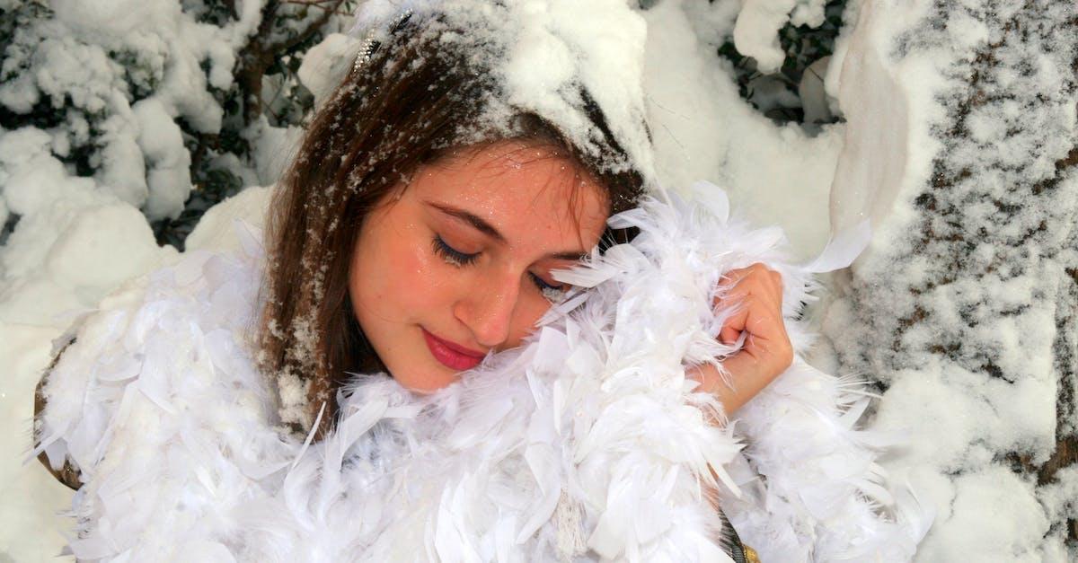 девушку намылили снегом есть некоторые