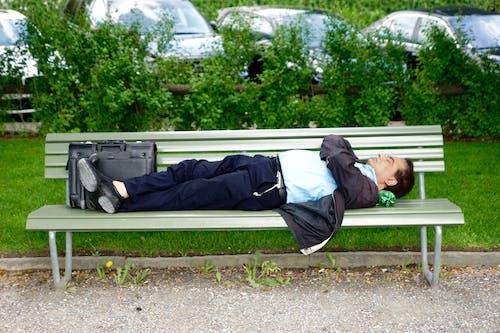 人, 休息, 公園, 公園長椅 的 免費圖庫相片