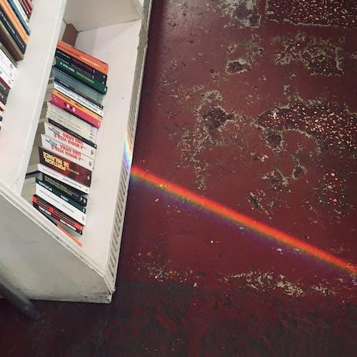 Immagine gratuita di arcobaleno, biblioteca, colorato, fascio di luce