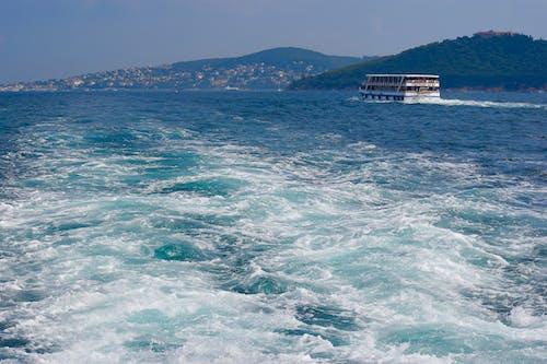 Free stock photo of cruise ship, On Bosphorus
