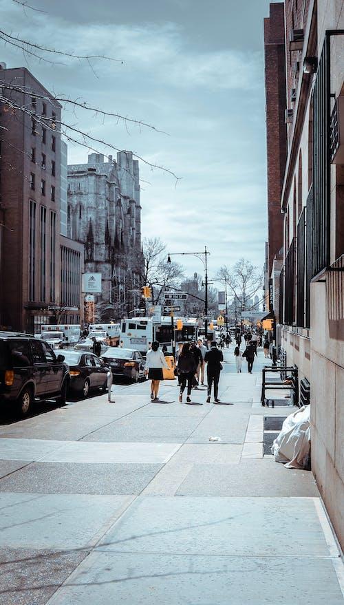 Kostnadsfri bild av amerika, färger, gamla människor, gammal byggnad
