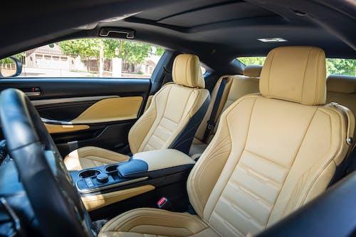 Бесплатное стоковое фото с автомобиль, дорогой, интерьер автомобиля, купе