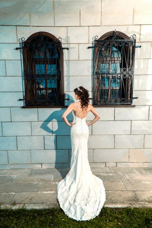 Бесплатное стоковое фото с вид сзади, гламур, день свадьбы, женщина