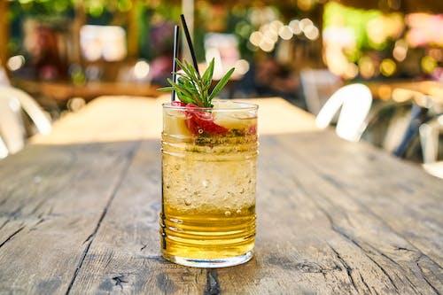 Foto profissional grátis de atualização, bebida, bokeh, bonito