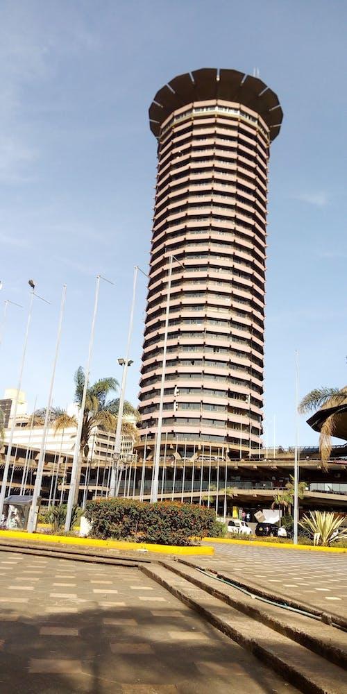 Photos gratuites de photo en contre-plongée d'un grand immeuble