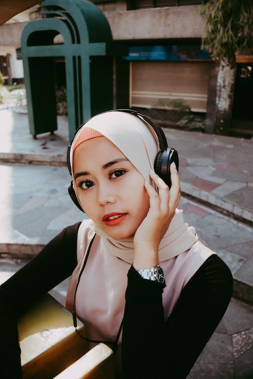 Ilmainen kuvapankkikuva tunnisteilla elegantti, hijab, ilme, kasvot
