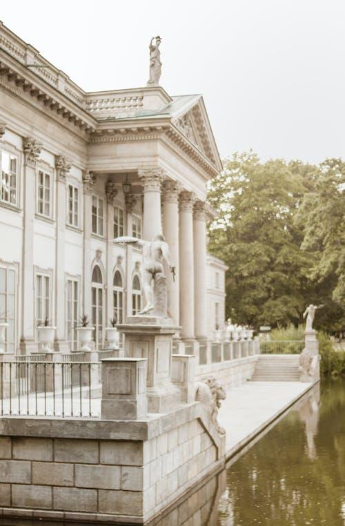 Δωρεάν στοκ φωτογραφιών με αρχιτεκτονική, αρχιτεκτονικό σχέδιο, βασιλικό παλάτι, βασιλικό πάρκο λουτρών