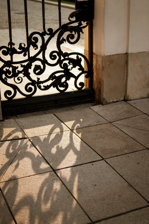 Δωρεάν στοκ φωτογραφιών με αστετικό, δύση του ηλίου, θύρα, σκιές