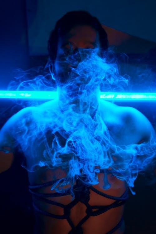 Бесплатное стоковое фото с дым, курение, легкий, мужчина