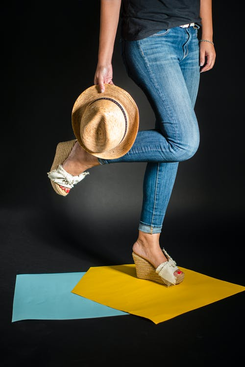 gorro, gorros y sombreros, par de zapatos