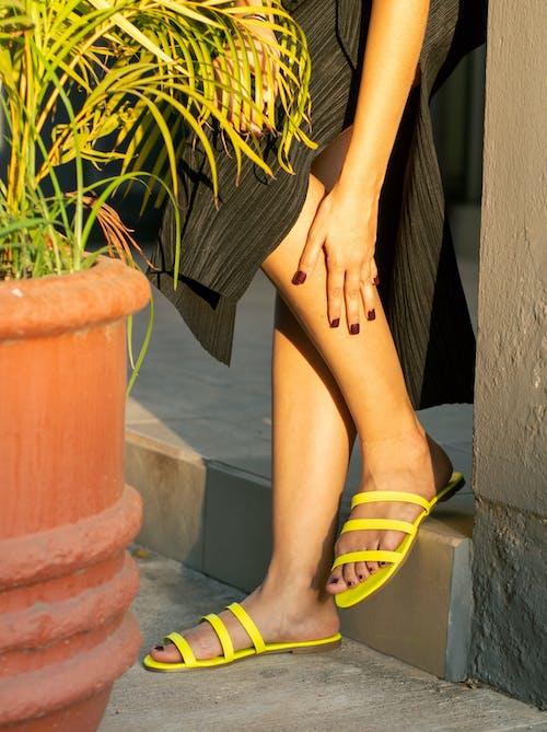Free stock photo of feet, flip-flops