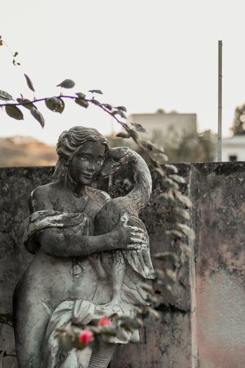 devasa heykel, hanım, Kaya, kaya oymacılığı içeren Ücretsiz stok fotoğraf