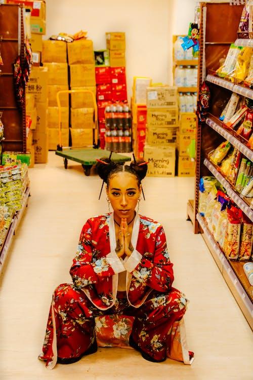 Безкоштовне стокове фото на тему «вродлива дівчина, житель Азії, Китай, китай місто»