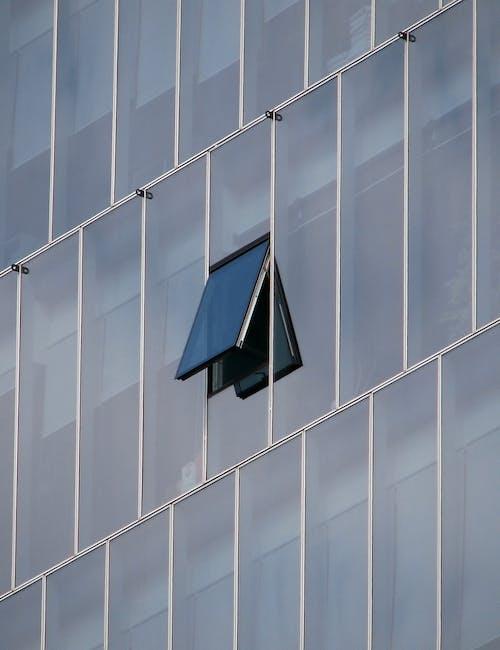 Foto d'estoc gratuïta de arquitectura, edifici, finestres, finestres de vidre