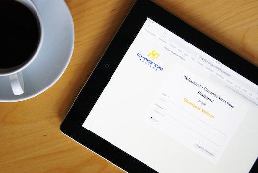 Kostenloses Stock Foto zu kaffee, internet, verbindung, tisch