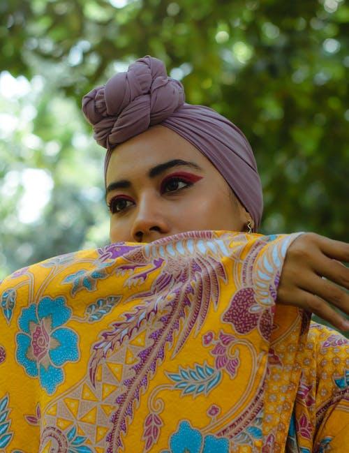 女人, 專注, 拍照片, 時尚 的 免费素材照片