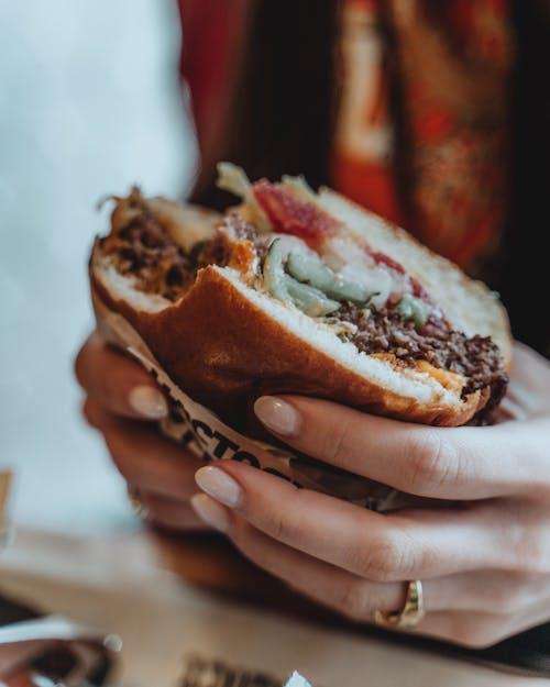 Free stock photo of beef burger, burger, cheeseburger, food