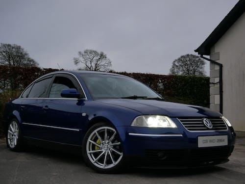 Foto d'estoc gratuïta de blau, cotxe, cotxe blau, modificat