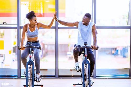 健身器材, 健身房, 幸福, 槳 的 免费素材照片