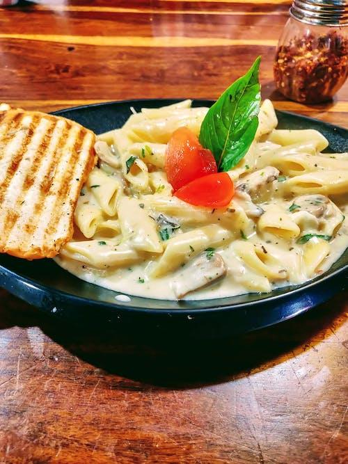 Foto d'estoc gratuïta de alfàbrega, fotografia d'aliments, menjar, menjar italià