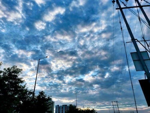 Foto d'estoc gratuïta de fanal, núvol, raig