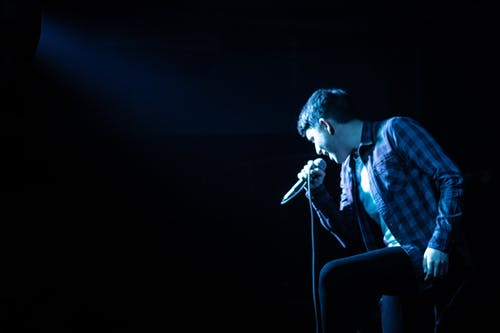 Безкоштовне стокове фото на тему «вокаліст, концерт, мікрофон, музикант»