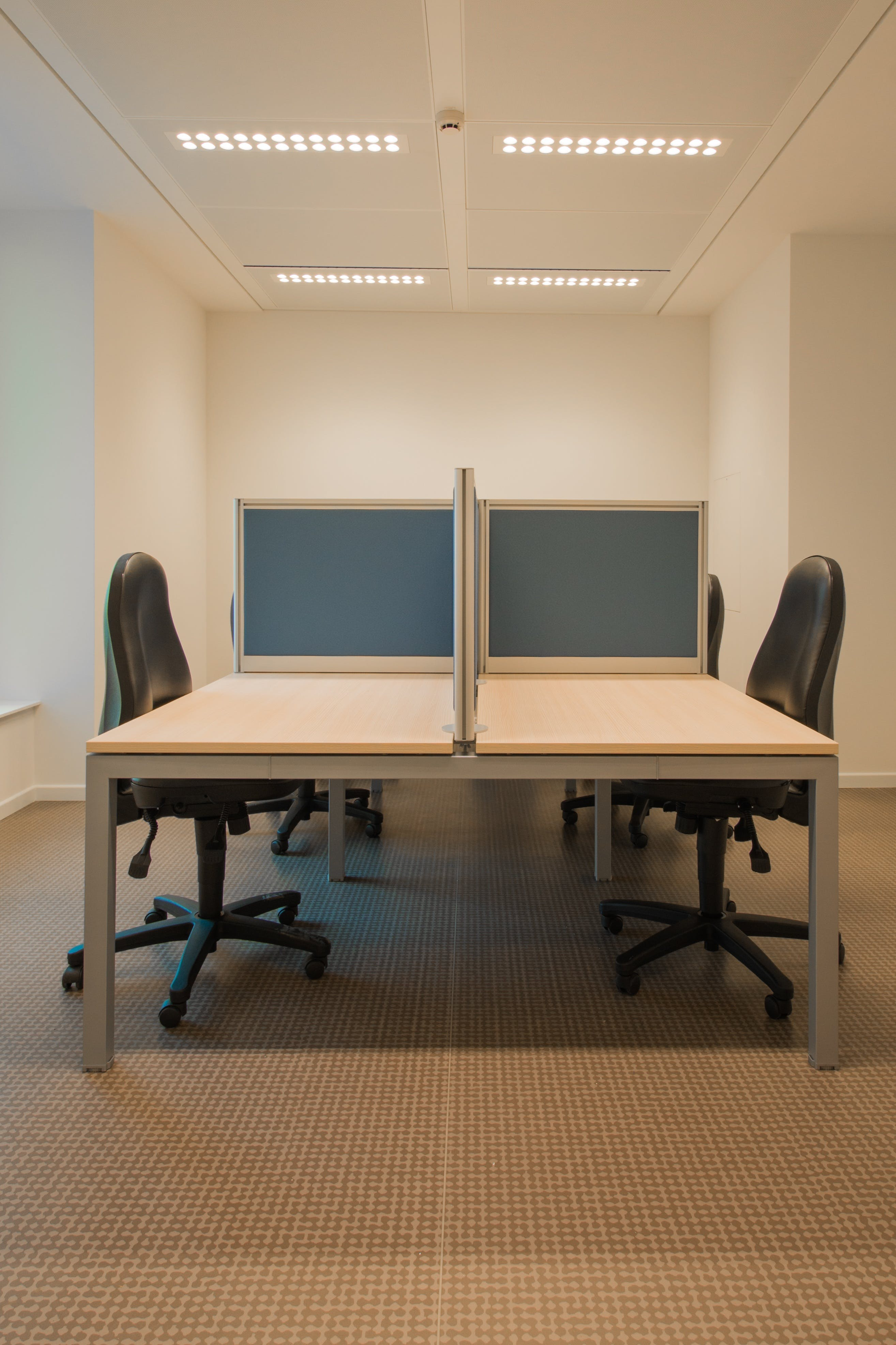 White Cubicle With Rolling Chairs