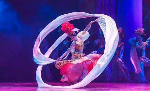 Foto d'estoc gratuïta de actuació, art, artistes, ballant