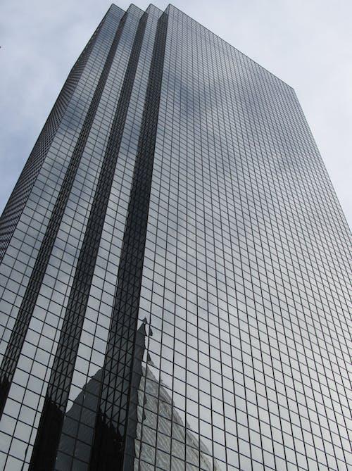 Бесплатное стоковое фото с архитектура, здание, многоэтажный, небоскреб