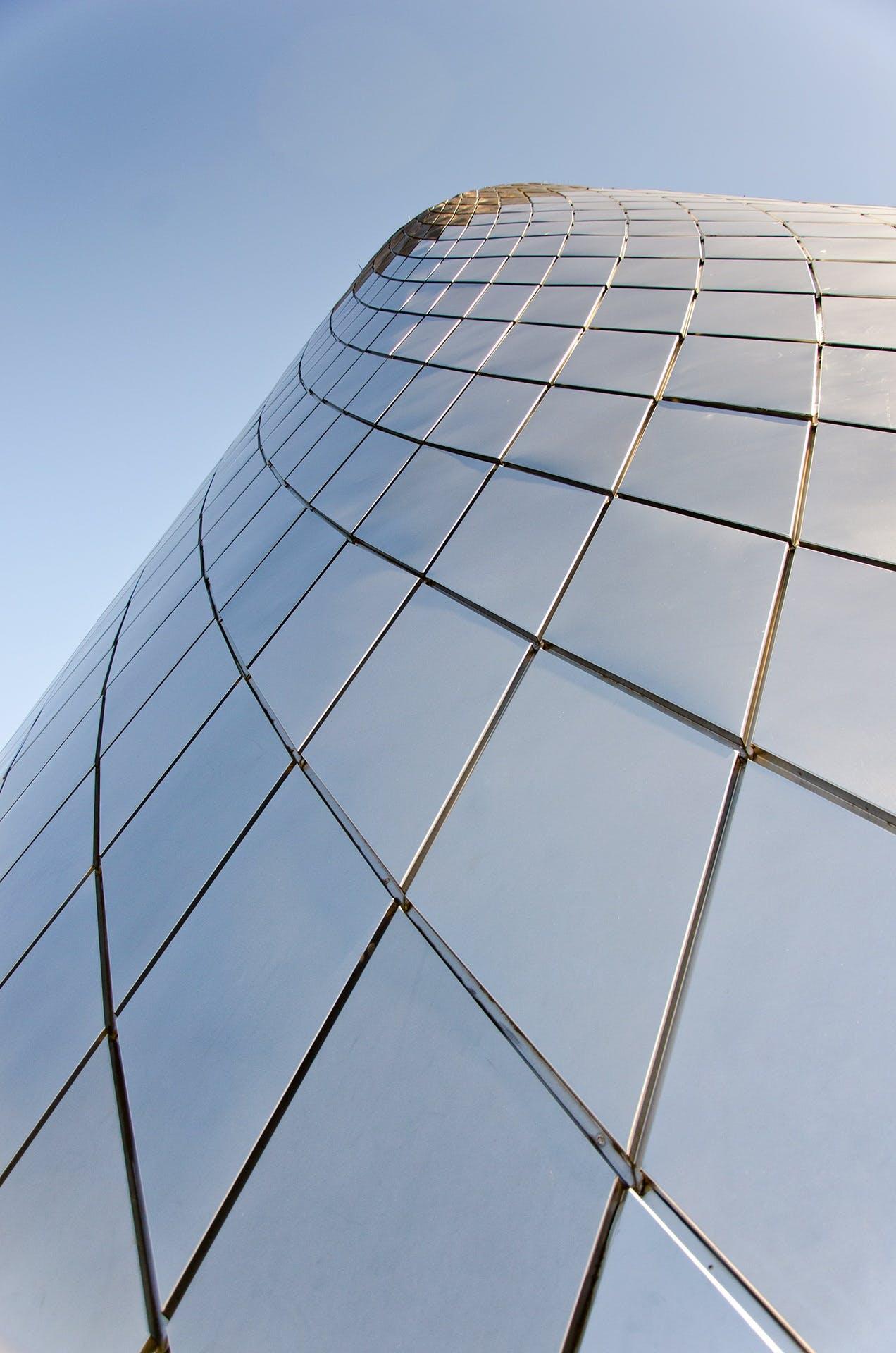 Foto profissional grátis de aço, arquitetônico, arquitetura, céu