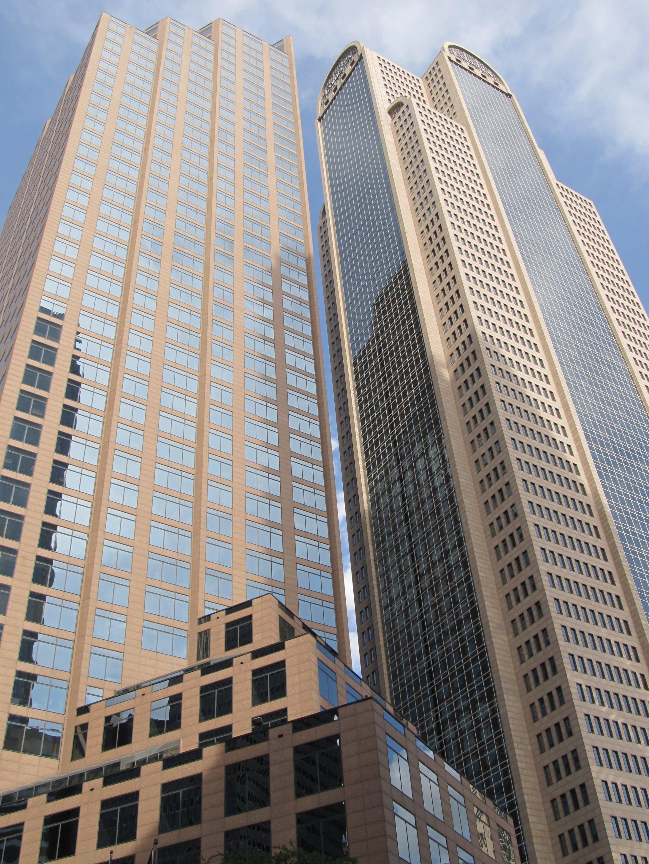 Foto d'estoc gratuïta de arquitectura, edifici alt, edificis, foto amb angle baix